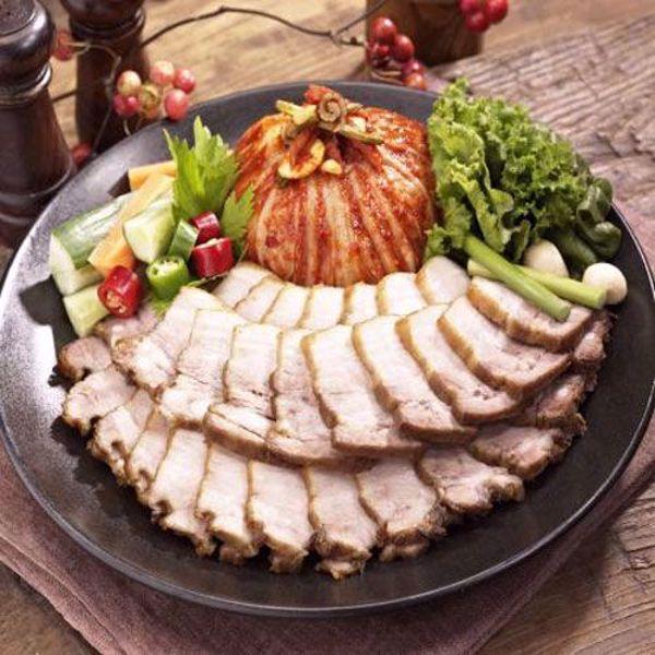 [YummyDiners] Cut pork & kimchi 편육보쌈